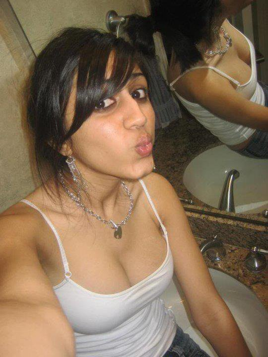 Uber-cute Indian Young Ladies Pic,..