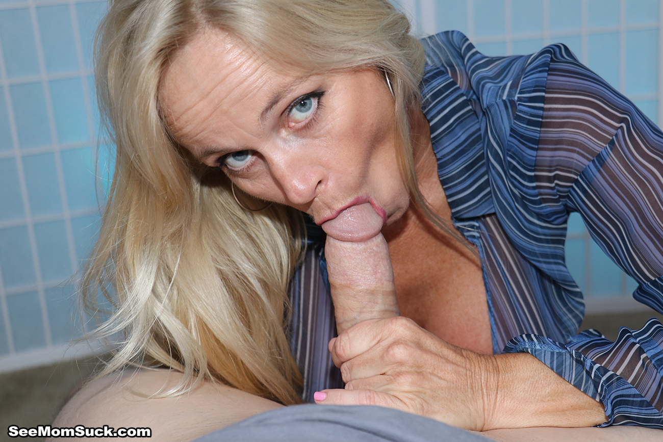 School college girl deep throat at..