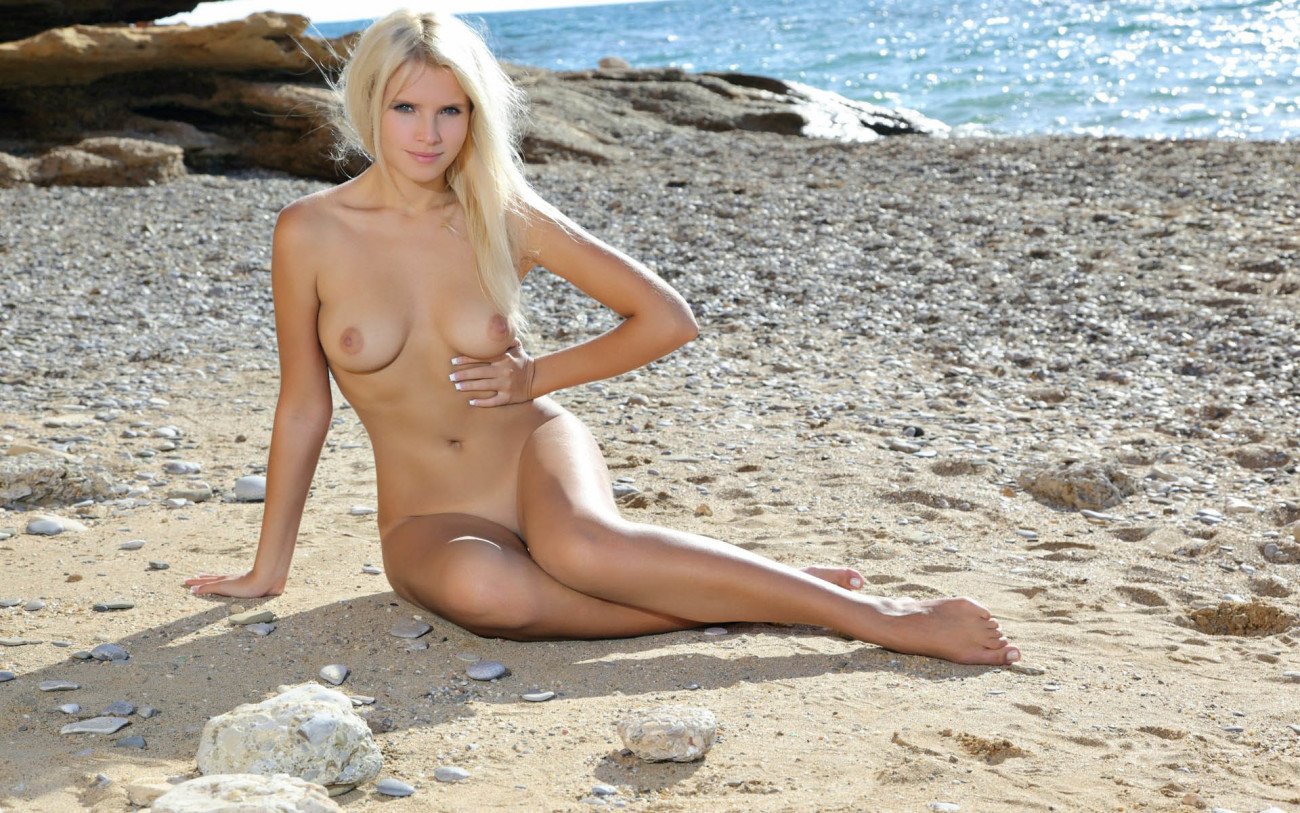 Wallpaper download beach, chest, nude,..