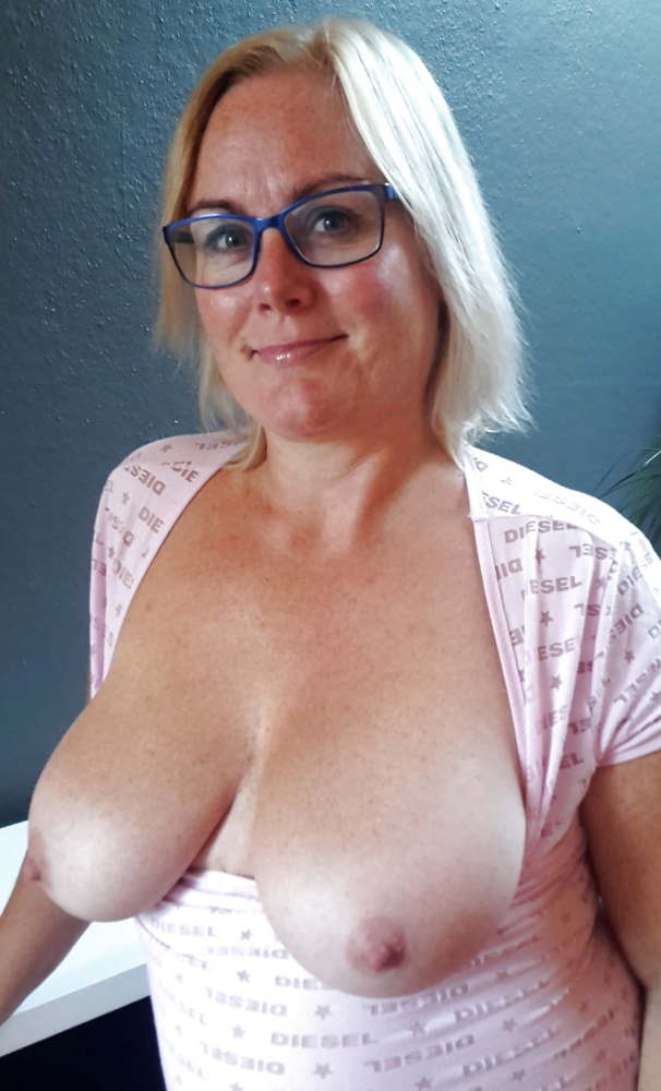 MILFS, MATURES, CHUBBIES & Ample -..