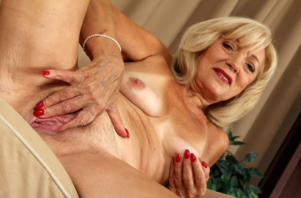 Grannie Opens up Her Gash For You - -..
