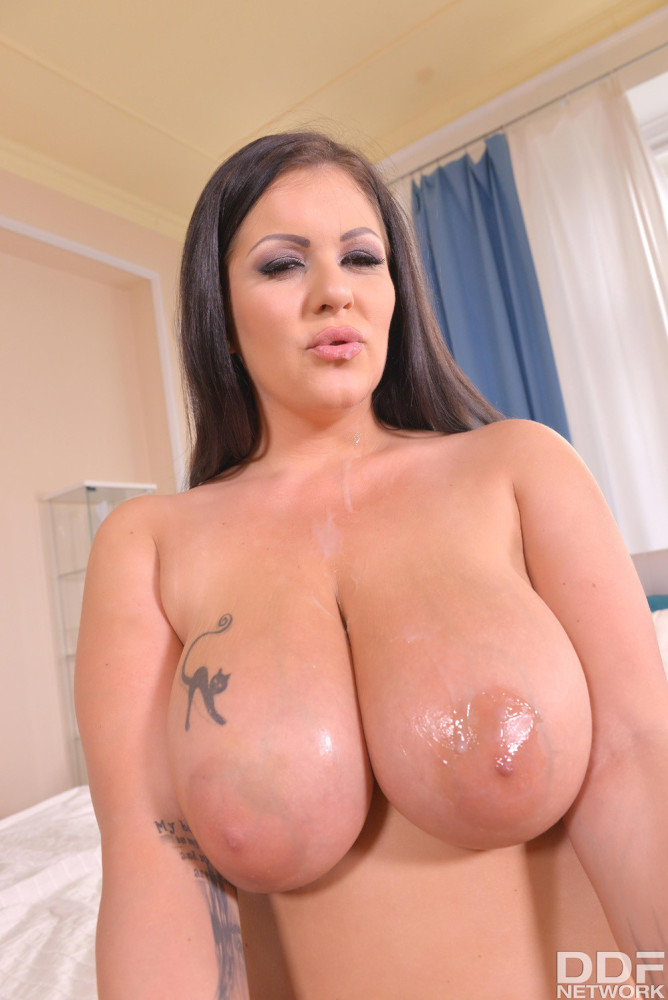 Anissa Jolie gets her widely opened..