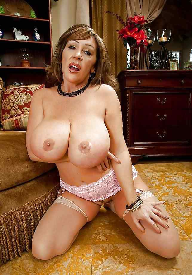 MILF's & Matures Large Mammories..