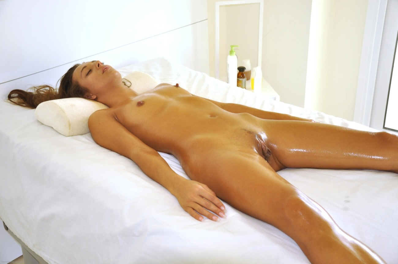 Dominika bare in pictures from Hegre-Art