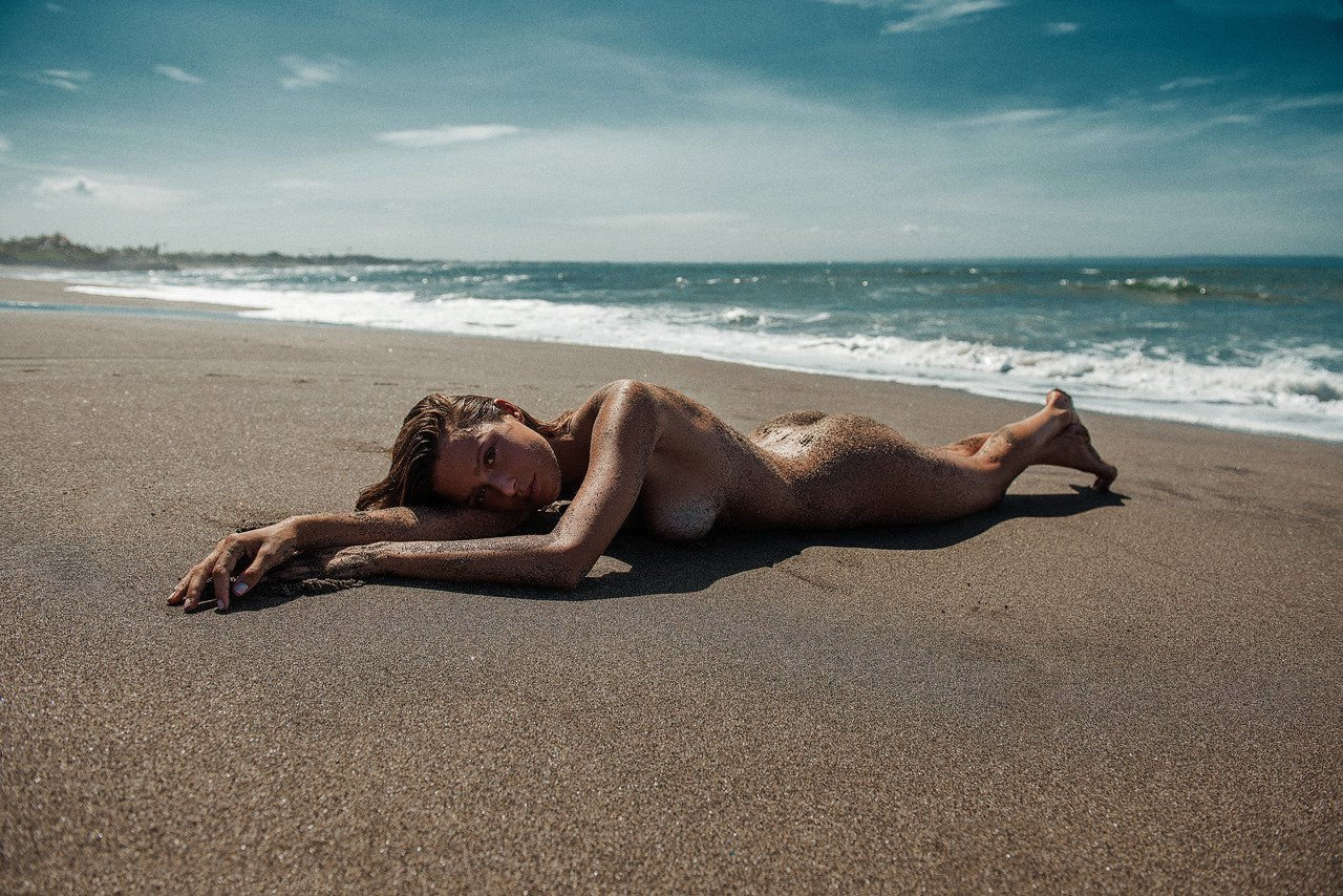 Casey James Naked Magnificent pics..