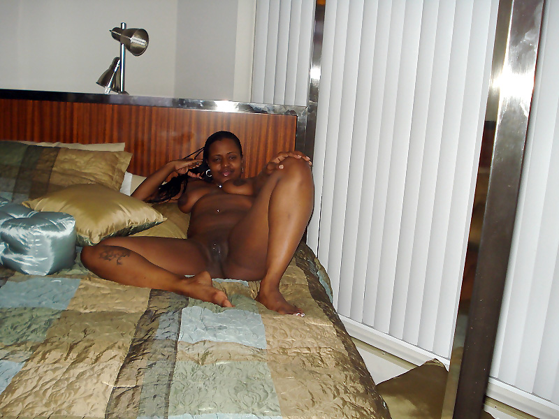 Oh, man! what a ebony pussy! And yet..